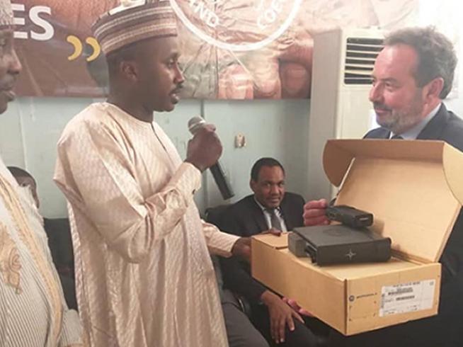 Radiotrans colabora con la Fundación  Grand Coeur donando equipamiento de radiocomunicaciones a los Bomberos de Chad