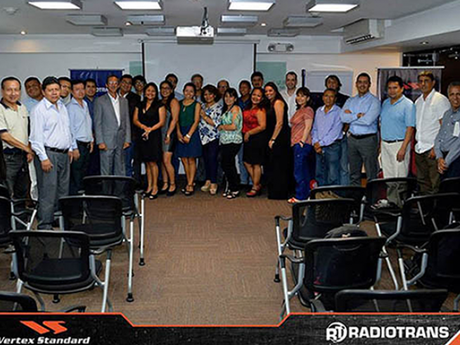Radiotrans distribuidor oficial de Vertex Standard en Perú