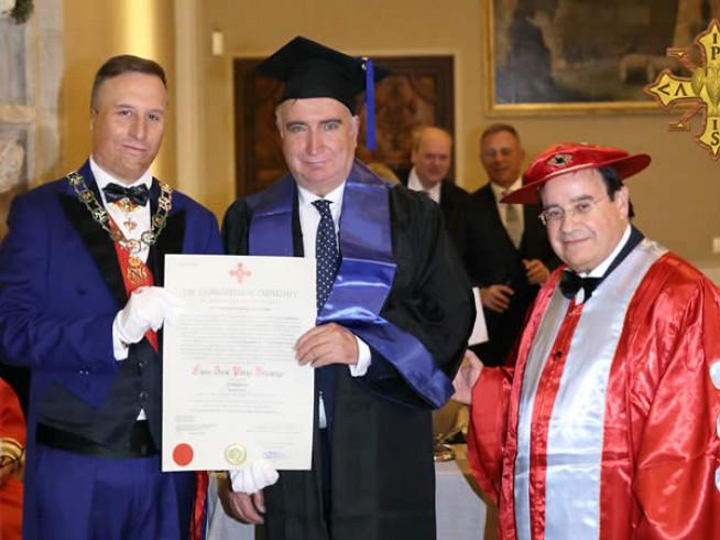 La Universidad de Rhode Island reconoce la trayectoria profesional de nuestro Presidente